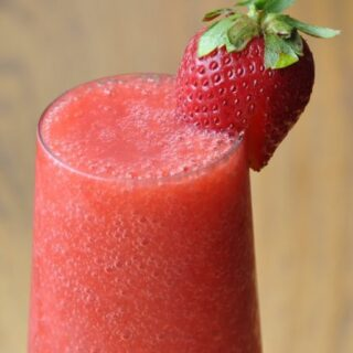 Luscious Strawberry Smoothie (Non-Dairy)