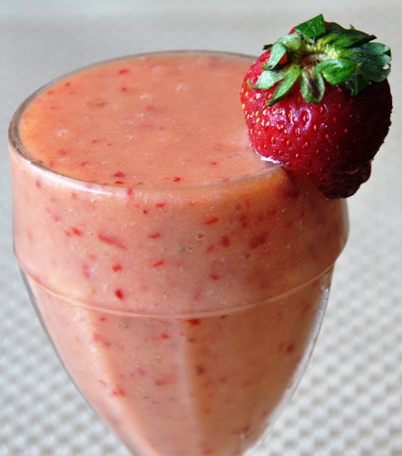 Luscious Strawberry Smoothie (Non-Dairy) | Honey, Whats Cooking