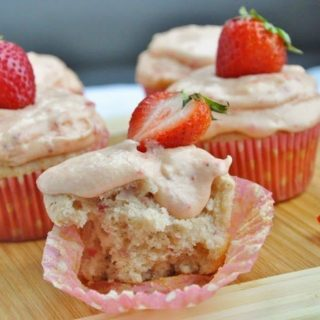 Sprinkles' Strawberry Cupcakes w/Strawberry Frosting