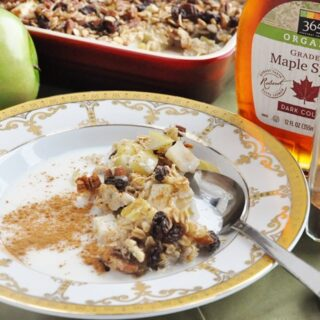 Apple Pie Baked Oatmeal (healthy, high fiber, dairy free, refined sugar free)