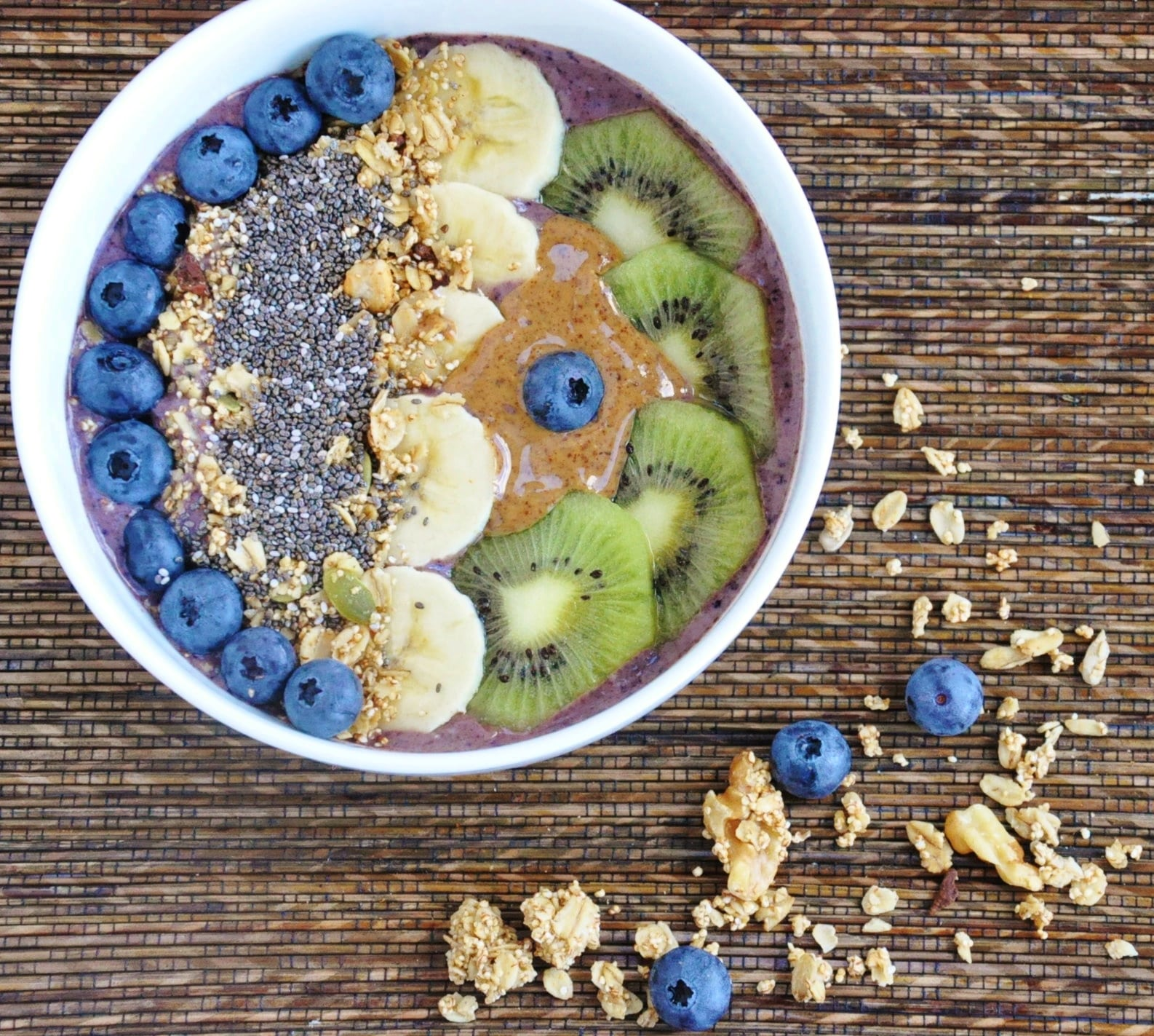 Blueberry Banana Acai Bowl (7)
