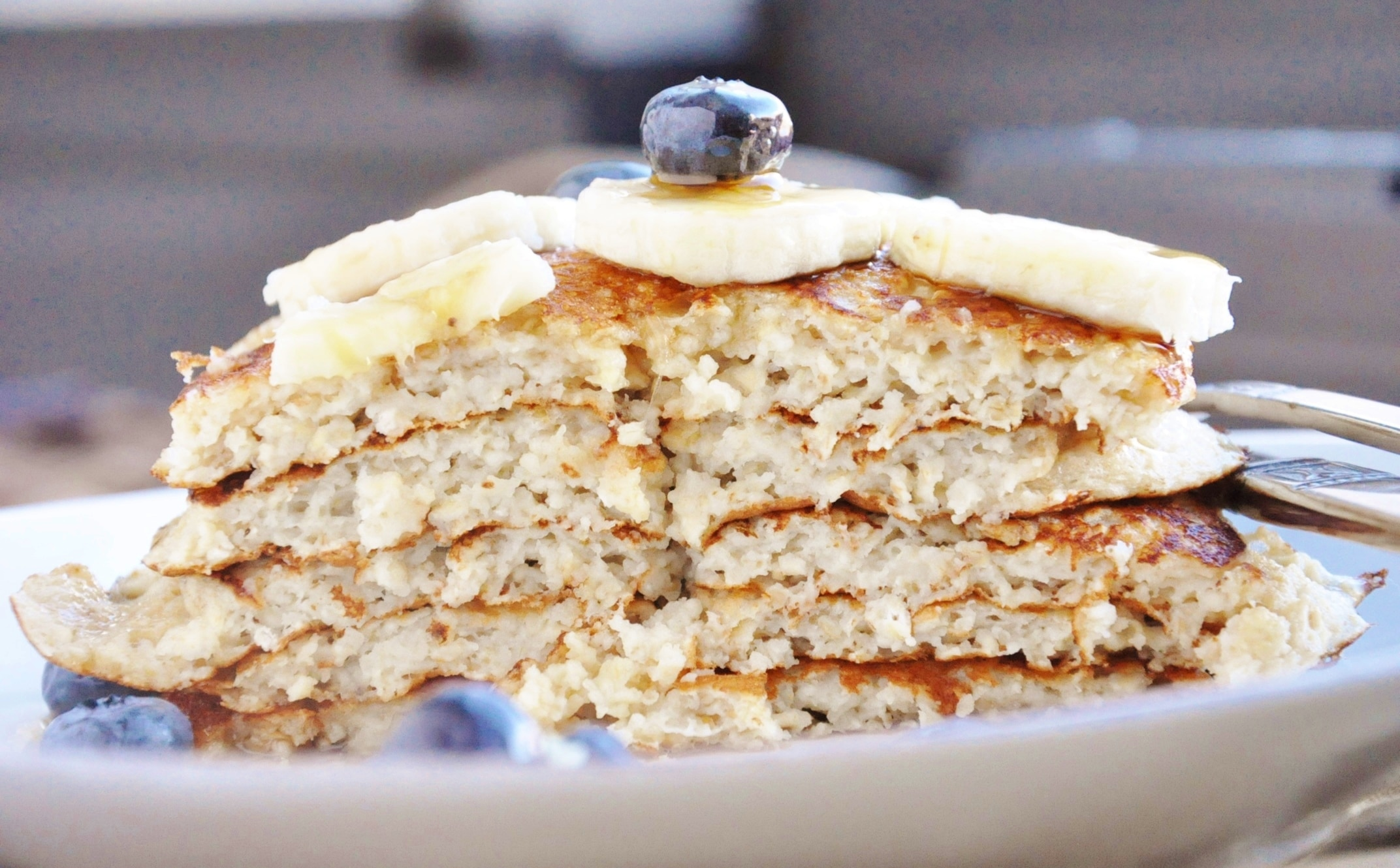 15 Minute High Protein Banana Bread Pancakes (healthy ...