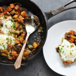 7 Ingredient Spicy BBQ Sweet Potato Hash & Eggs (healthy, almost paleo, dairy-free, gluten-free, high protein)
