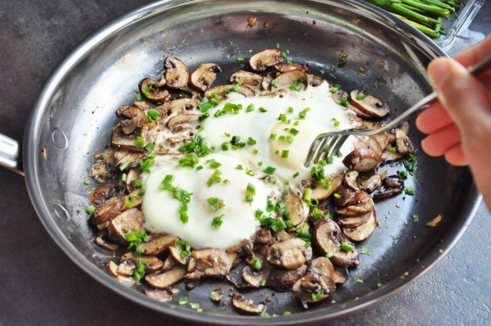 Sauteed Mushrooms with Eggs and Truffle Oil